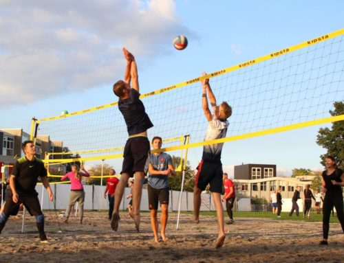 v.d. Horst Montage en Yara's Angels winnaars beachvolleybal